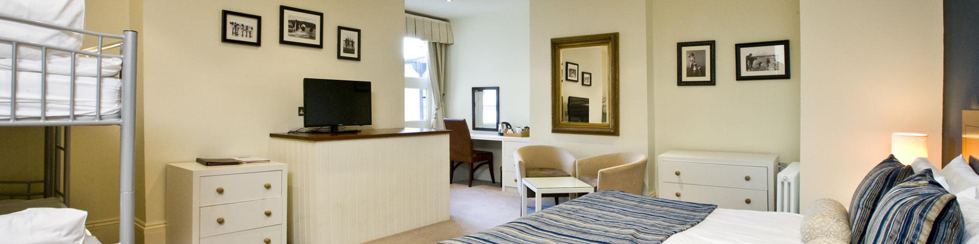 Royal Hotel, Deal - Family Rooms